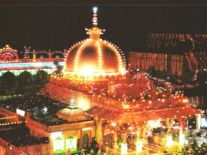 Ajmer dargah sharif ajmer sharif ajmer shareef ajmer sharif dargah of sufi saint hazrat khwaja garib nawaz ra at a time of urs festival altavistaventures Choice Image